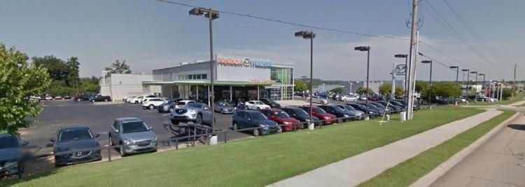 Architecture Branding Dealership Design Leans To Luxury